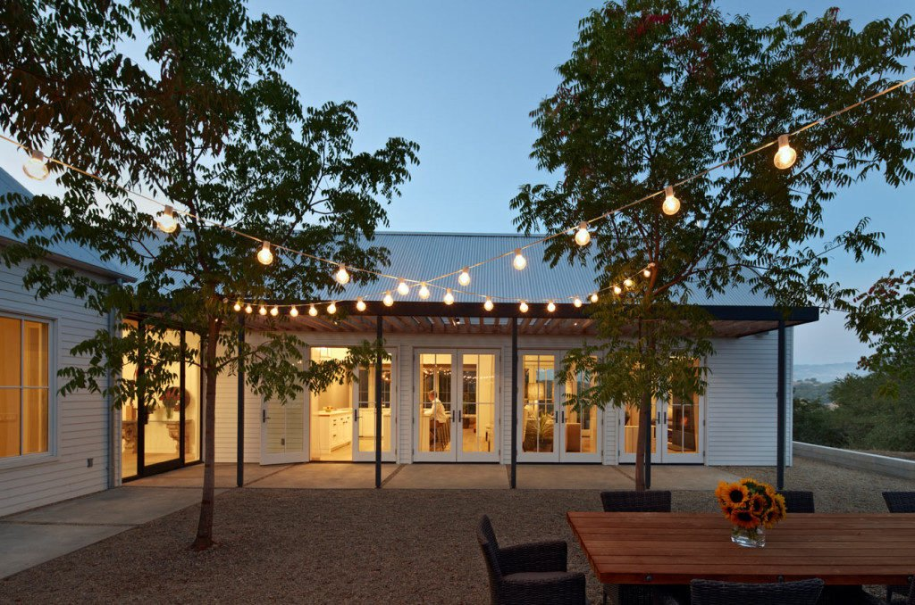 outdoor patio lighting - Patio String Light Ideas